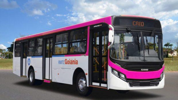"""Vereadores aprovam """"Ônibus Rosa"""" como frota exclusiva para mulheres em Goiânia"""