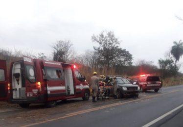 Homem fica ferido após capotar carro na BR-020 em Formosa