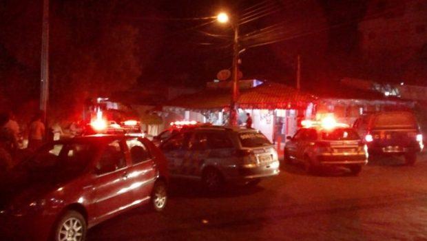 Tiroteio em bar termina com um jovem morto e dois feridos, em Anápolis