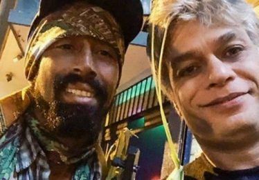 Fábio Assunção ajuda artista de rua a se reencontrar com a mãe