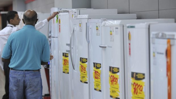 Enel oferece desconto a clientes na compra de eletrodomésticos eficientes em Goiás