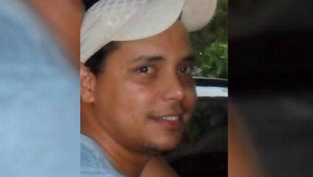 Homem é morto por amante da mãe na porta de motel em Morrinhos