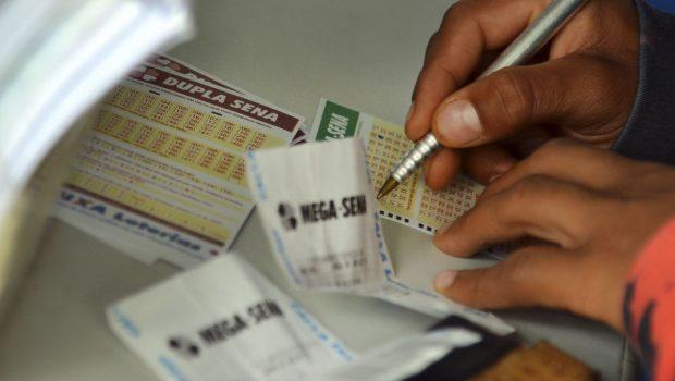 Mega-Sena deve pagar neste sábado prêmio de R$ 45 milhões
