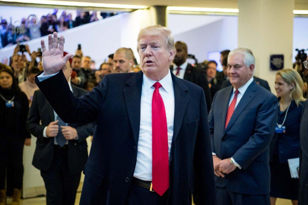 """Trump defende tarifas impostas sobre China e diz que """"estamos apenas começando"""""""