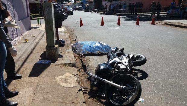 Motociclista morre após bater de frente com caminhonete no Setor Fama, em Goiânia