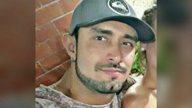 Jovem é morto a tiros dentro do carro em Guapó