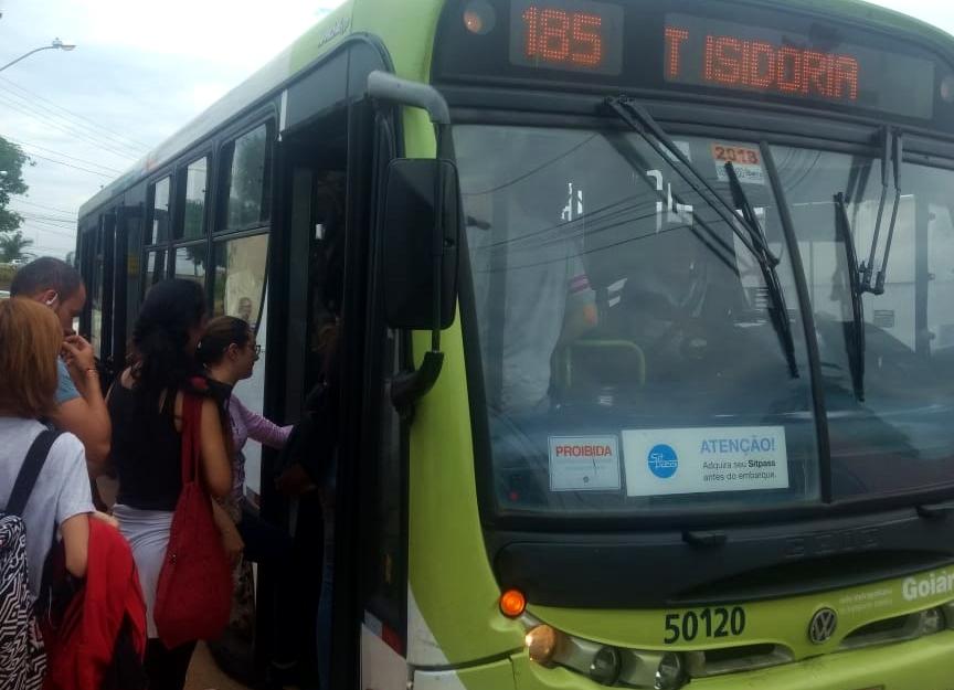 Após revolta de estudantes da região Sul, CMTC retoma linha 185