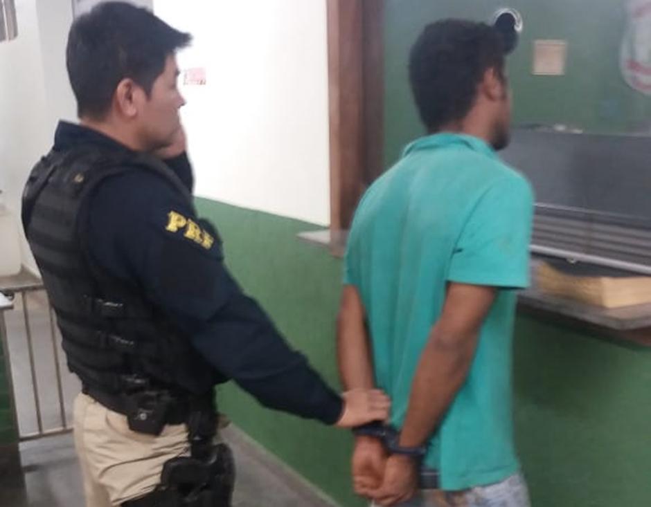 Foragido da justiça é preso após pedir copo de água em posto da PRF, em Ceilândia