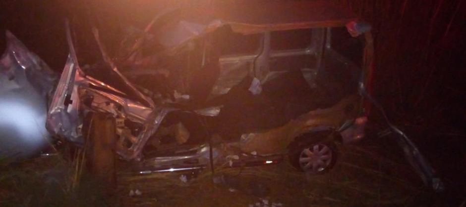 Acidente entre carro e ônibus deixa vários feridos em Trindade