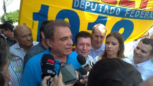Em Goiânia, Álvaro Dias tem discurso de combate à corrupção e critica pesquisas eleitorais