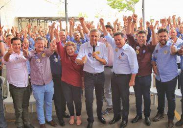 """""""Vamos vencer as eleições para garantir as conquistas, sem ódio ou grito"""", afirma Zé Eliton a prefeitos"""