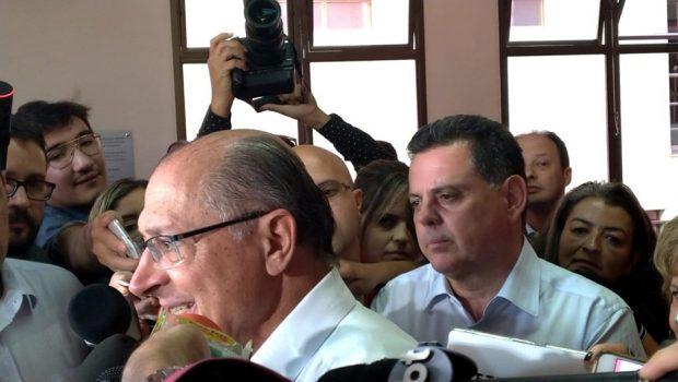 Alckmin e Marconi criticam Bolsonaro