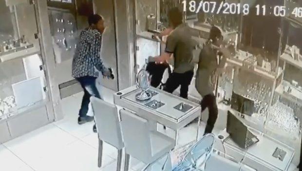 faee6bb804a Desbaratada quadrilha que assaltou joalheria no Goiânia Shopping em julho
