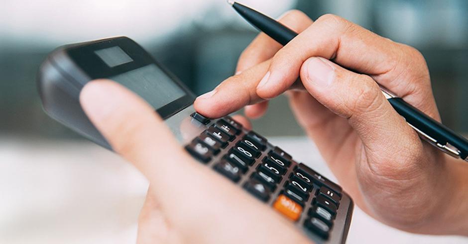 Juros no mercado sobem e acesso ao crédito piora para empresas
