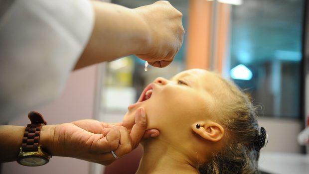 Vacinação contra pólio e sarampo atinge 94% das crianças em Goiás