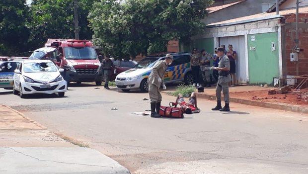 Assaltantes atropelados por comerciante são presos depois de perseguição no Setor Brisas da Mata