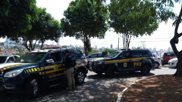 Depois de preso, prefeito de Caldas Novas é levado para o IML de Goiânia