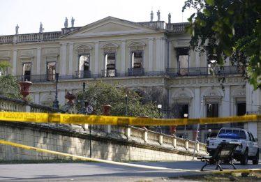 Curto em ar-condicionado causou incêndio no Museu Nacional