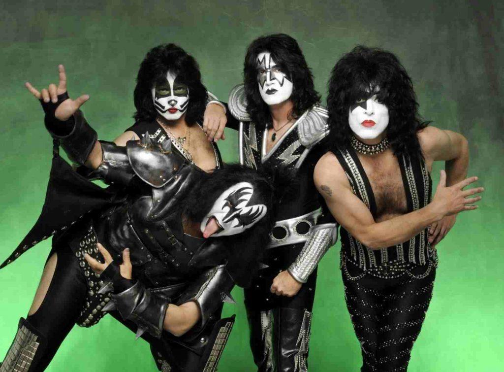 Kiss anuncia aposentadoria dos palcos após 45 anos de carreira