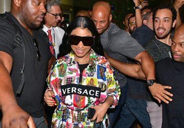 Nicki Minaj é recebida por mar de fãs em São Paulo nesta terça (25)
