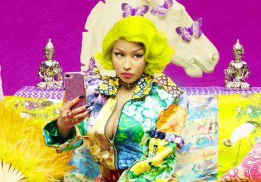 Nicki Minaj diz que vai se casar e chama Miley Cyrus de 'cara de pau' em programa de rádio
