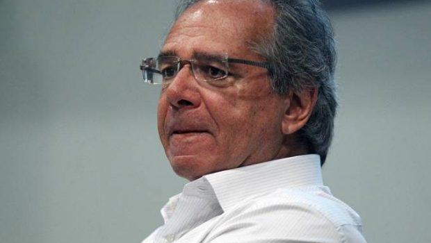 Guedes foi fiador de empresa 'de prateleira'