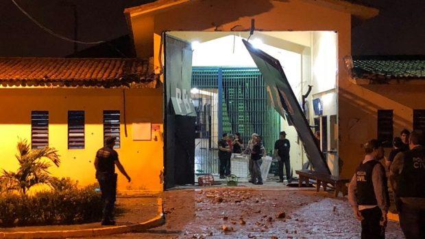 Mais de 100 detentos fogem de presídio em João Pessoa; PM é baleado na cabeça