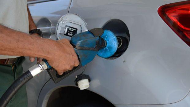 Com alta de 1,68% anunciada para esta quarta (5), gasolina tem recorde de preço