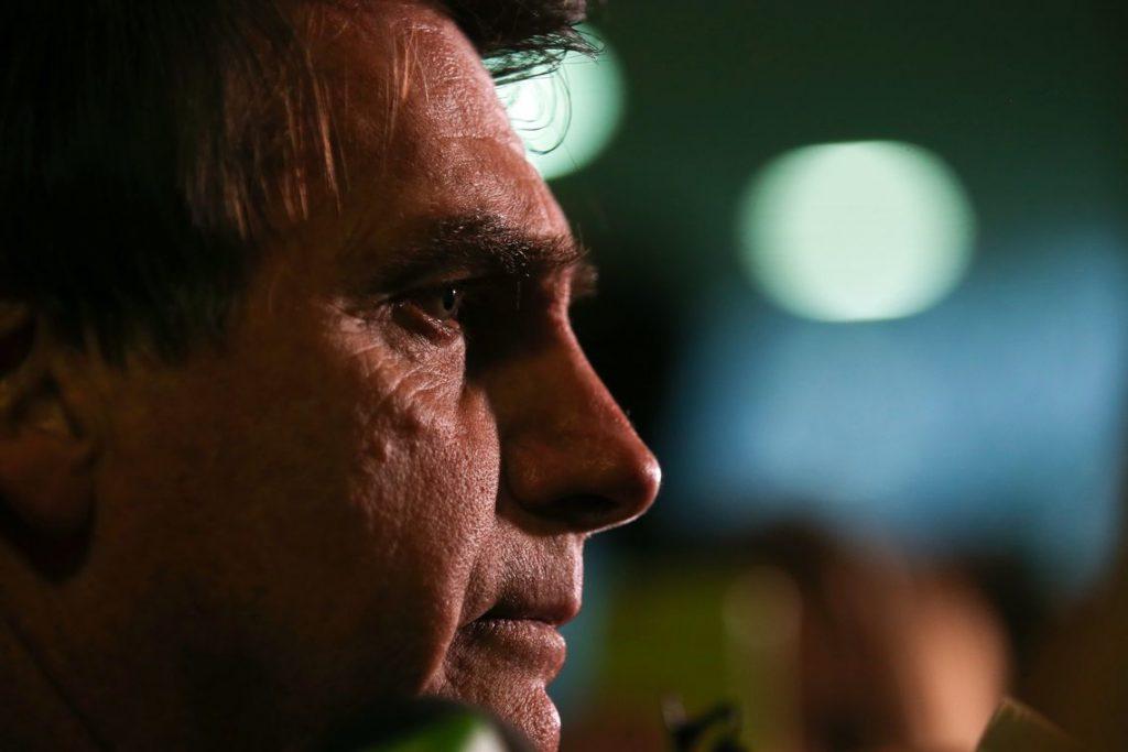 Bolsonaro diz que debaterá com Haddad se não houver 'terceiros'