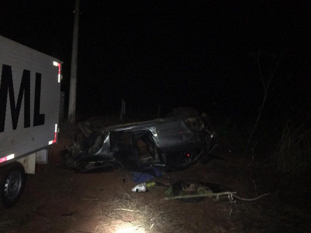 Casal morre após capotamento do veículo, na BR-153, entre Ceres e Uruaçu