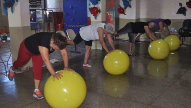 Atividades físicas podem trazer benefícios e alívio para o corpo de praticantes da terceira idade
