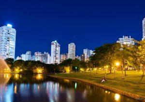 Show nas Águas terá projeção de vídeos em tela d'água no Parque Vaca Brava, em Goiânia
