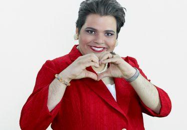 GustavoMendesvolta a Goiânia com novo espetáculosobre a ex-presidenta