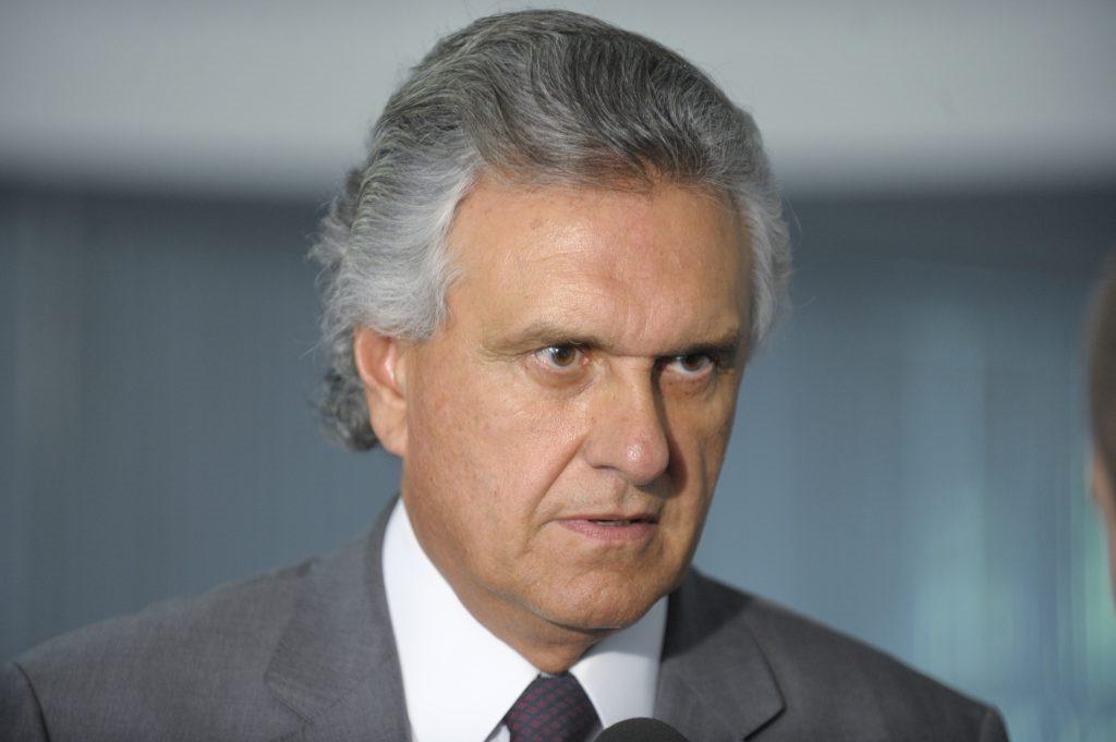 Goiás e mais oito estados pedem ao STF que autorize corte nos salários de servidores
