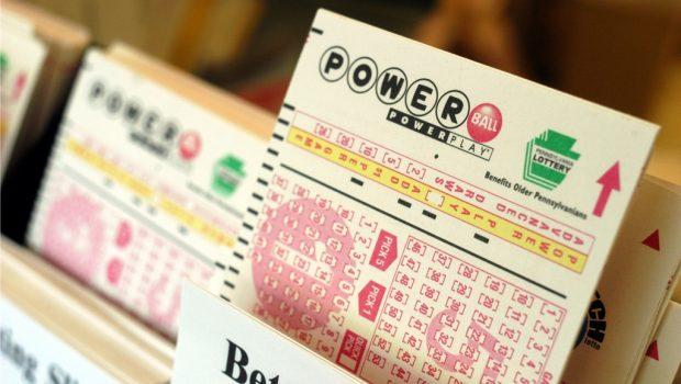 Loteria dos Estados Unidos está acumulada em US$ 900 milhões