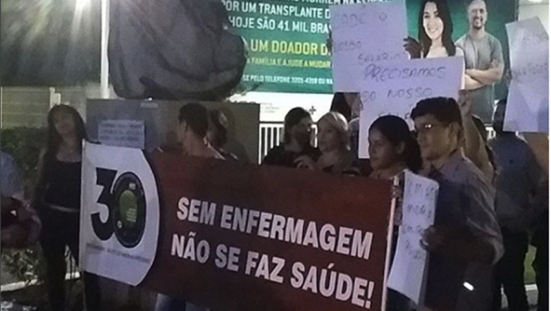 Enfermeiros do Hugo protestam contra salários atrasados e pedem condições adequadas de trabalho