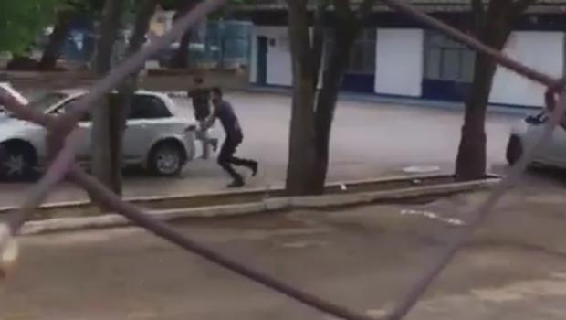 Vídeo mostra tiroteio ao lado da Secretaria da Fazenda em Goiás