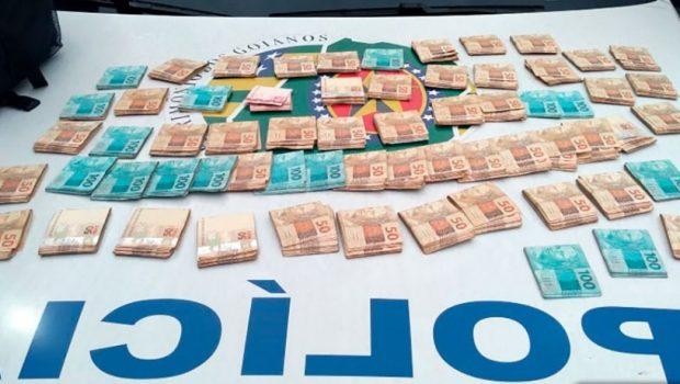 Trio é preso suspeito de fraudar boletos bancários na internet, em Goiânia