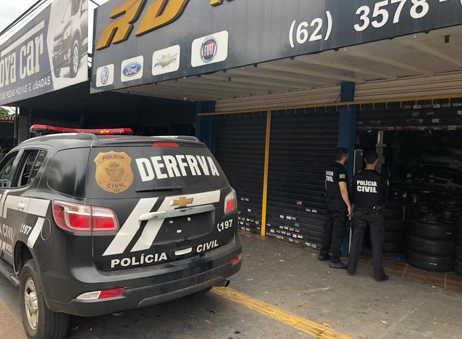 Dono de loja na Vila Canaã e funcionários são presos por comercializar peças de veículos roubados