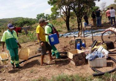Prefeitura de Aparecida de Goiânia remove barracas de invasão na Serra das Areias