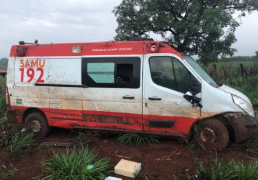 Acidente com ambulância do Samu deixa 6 pessoas feridas na BR-153 em Rialma