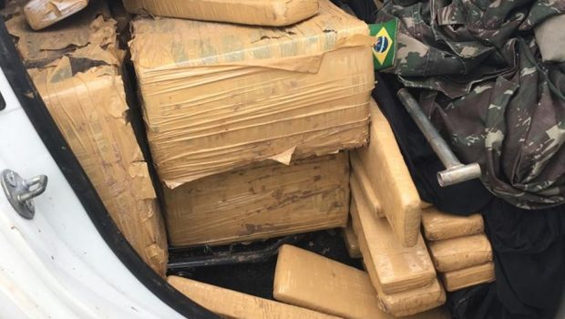 Caminhonete com quase uma tonelada de maconha é apreendida em Goiânia