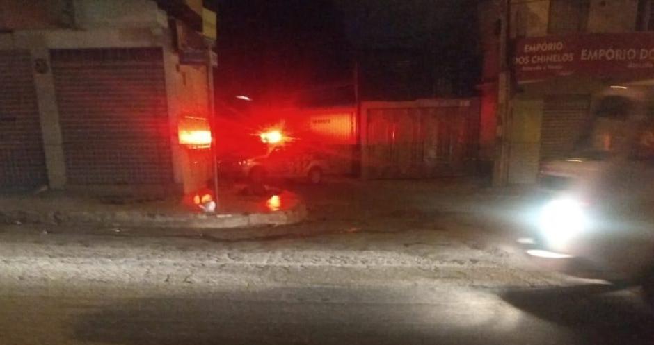 Homem é morto a tiros na frente dos filhos no Bairro Ipiranga, em Goiânia