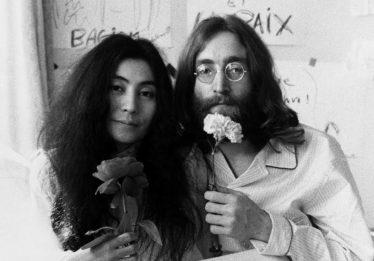 História de John Lennon e Yoko Ono será adaptada para os cinemas
