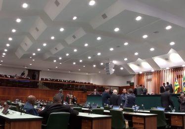 PEC para prorrogar início do Orçamento Impositivo tem oito assinaturas