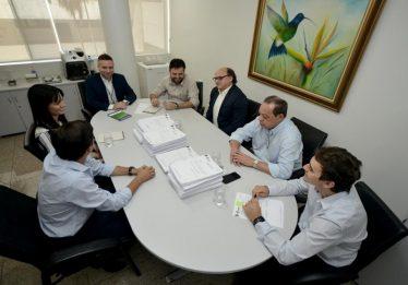 José Vitti anuncia licitação para retomada das obras da nova sede da Assembleia Legislativa, em Goiânia
