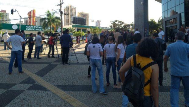 Após prisão de Marconi Perillo, motoristas fazem buzinaço em Goiânia