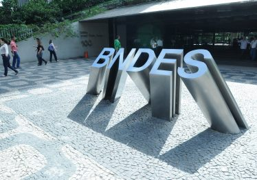 Não há mais espaço para subsídios pesados, afirma presidente do BNDES