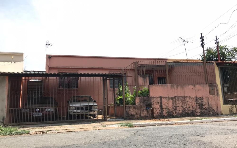 Mãe e filho são encontrados mortos dentro de casa no Bairro Feliz, em Goiânia