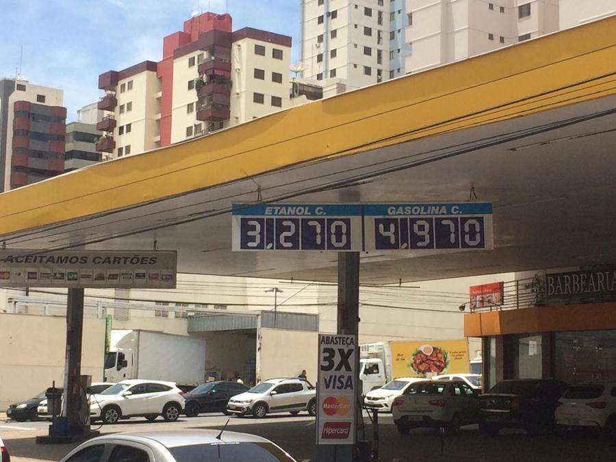 Valor do etanol sobe e passa a custar R$ 3,27 em Goiás